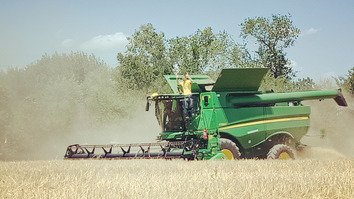 Combines made by US company to help Kazakhstan modernise agriculture