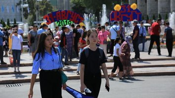 Study finds more Central Asians turning to native language content for news