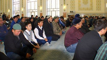 Extremist recruiters adopt new strategies to attract youth, Kazakh analysts warn