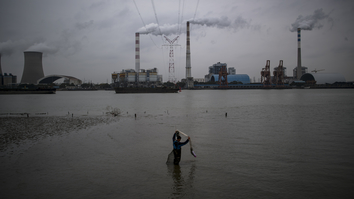 China claims global leadership on climate despite staking future on coal